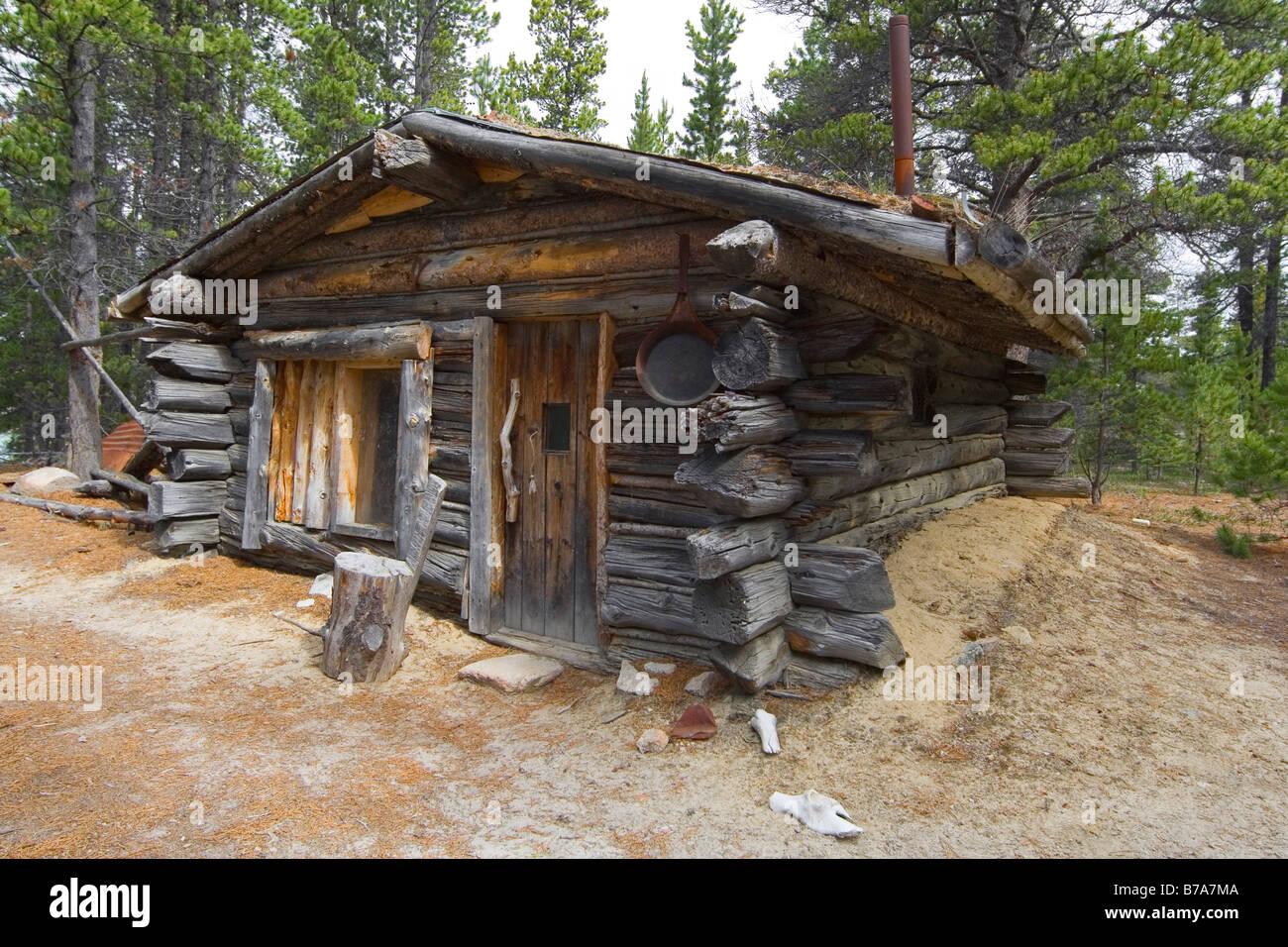 Old Log Cabin Trappers Cabin Near Bennett Rapids Lake