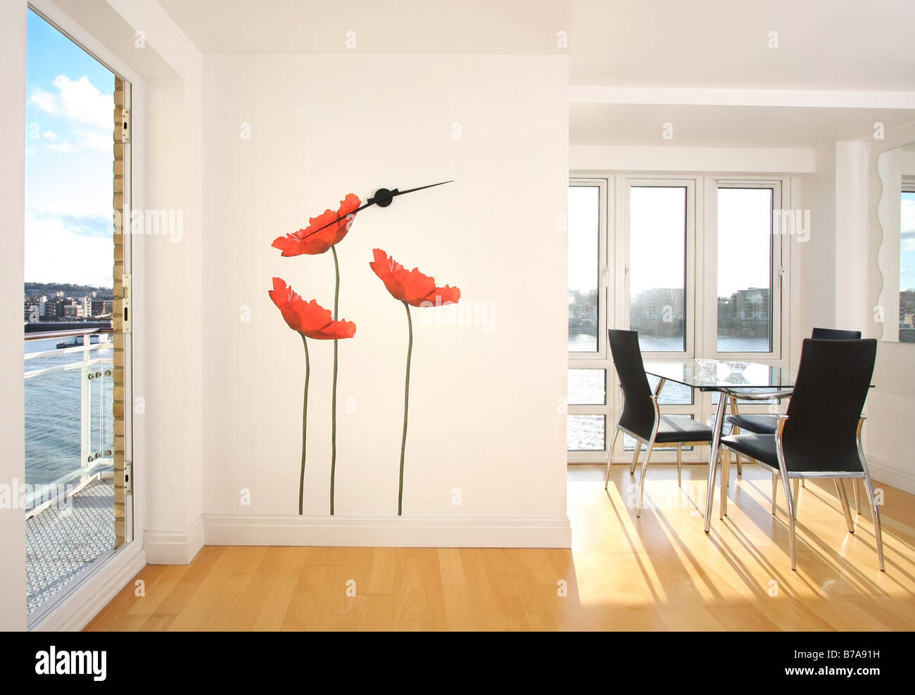 Modern apartment with wall decoration - Stock Image