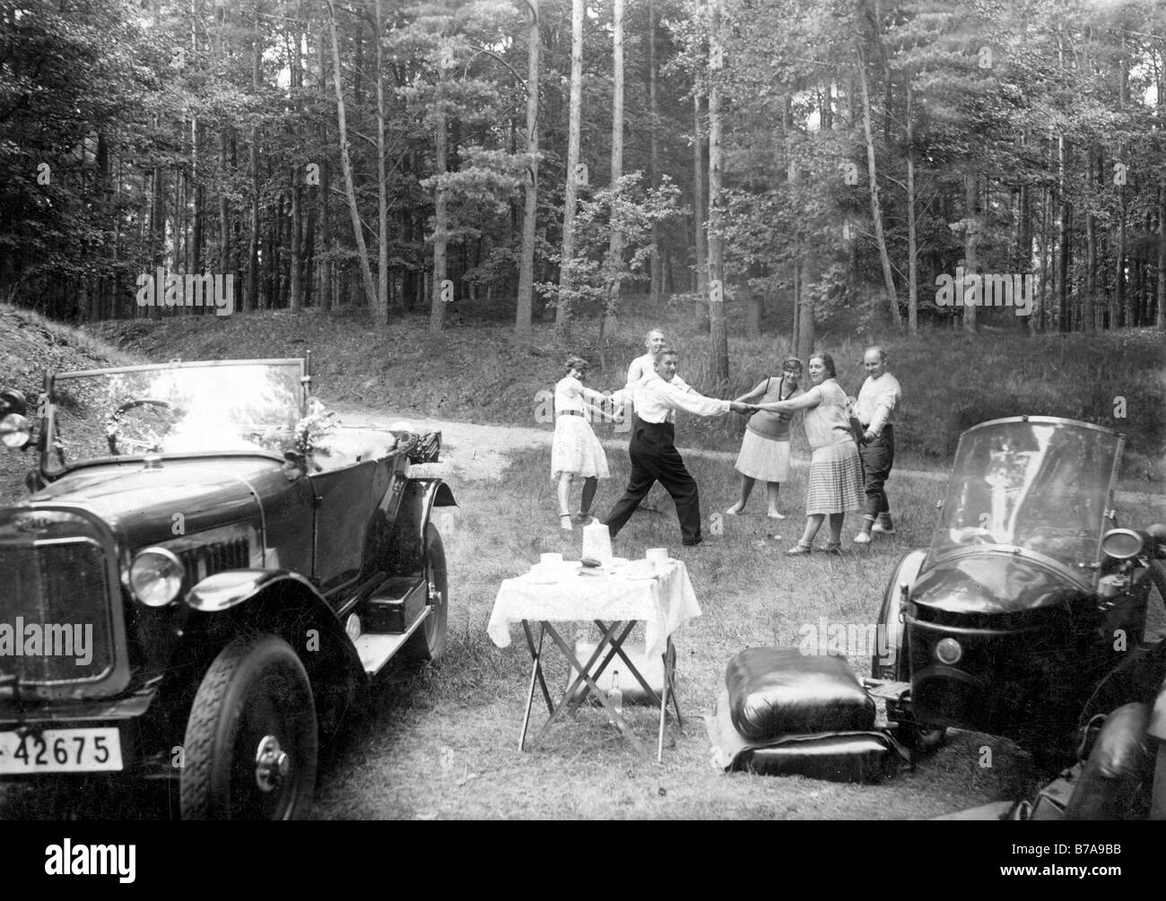 Historic photo, picknick with dance, ca. 1930 - Stock Image