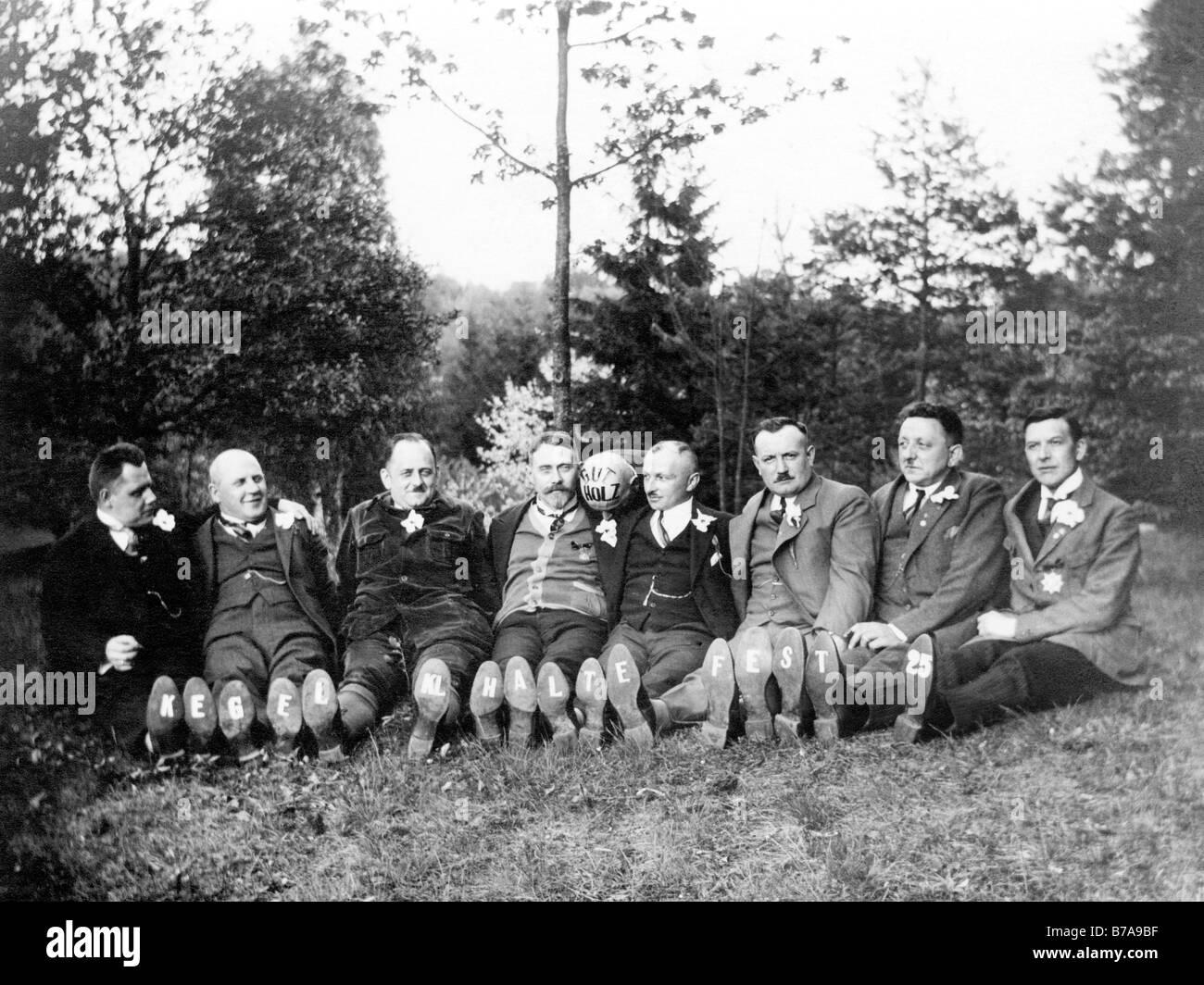 Historic photo, the skittle club Halte fest, ca. 1920 - Stock Image