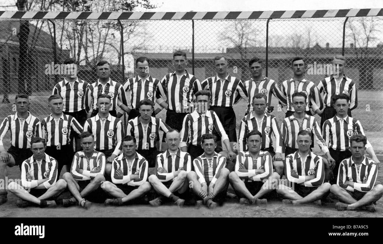 Historic photo, soccer team, ca. 1920 - Stock Image