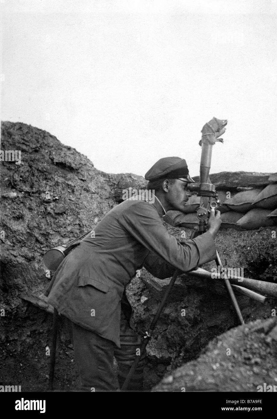 Historic photo, First World War, field glasses, sandbag Stock Photo