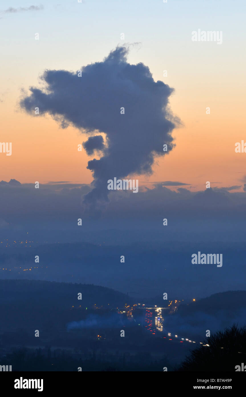 Misty Sunset over M5 Motorway with heat plume from Oldbury Nuclear Power Station Stock Photo