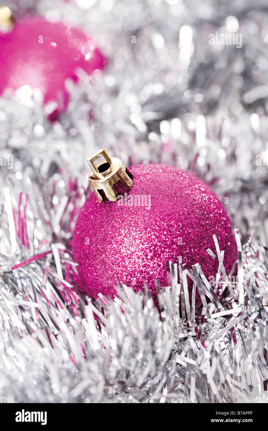 Weihnachtskugeln Pink.Pink Glitter Christmas Tree Balls With Christmas Decorations Stock
