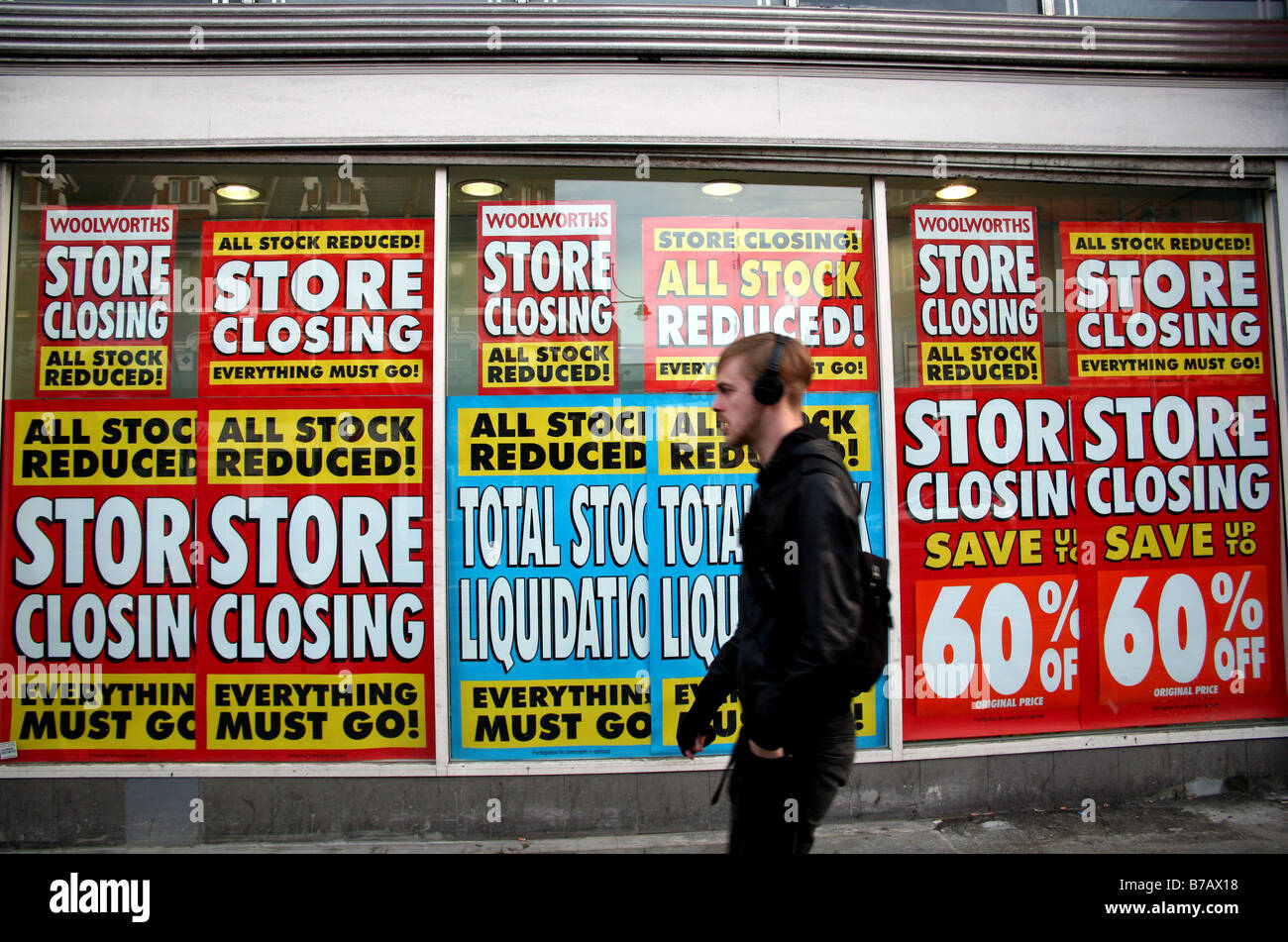 Closing down sale in Woolworth store, London - Stock Image