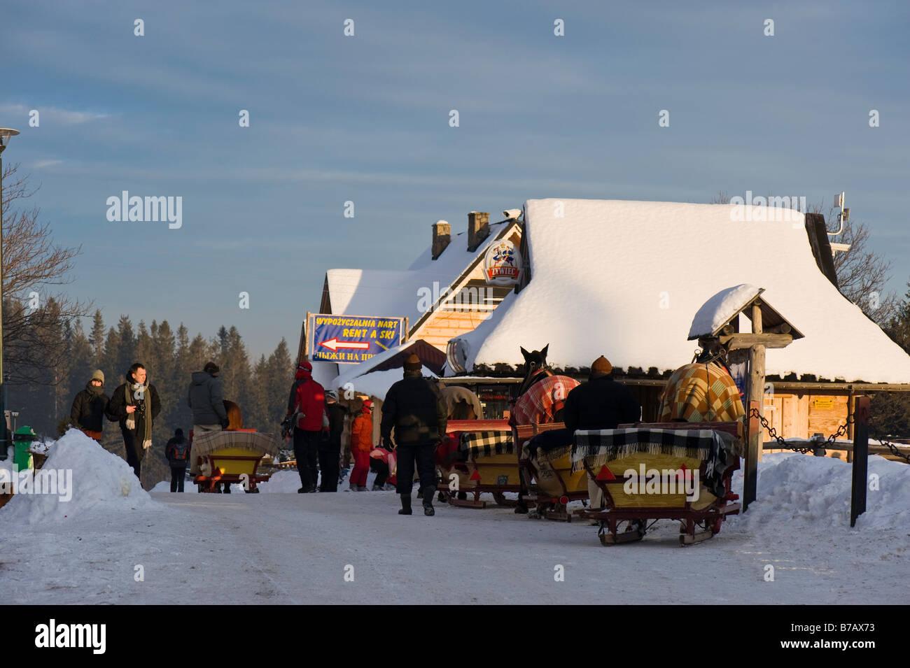 Horse drawn sleigh waiting for customers Gubalowka Hill Zakopane Tatra Mountains Podhale Region Poland - Stock Image
