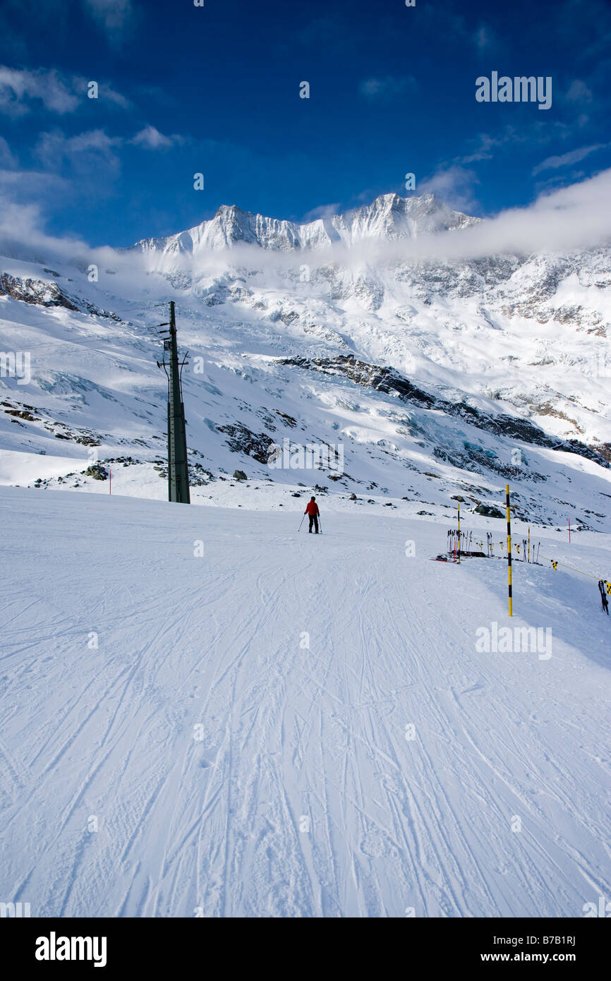 Piste and mountains Saas Fee Switzerland - Stock Image