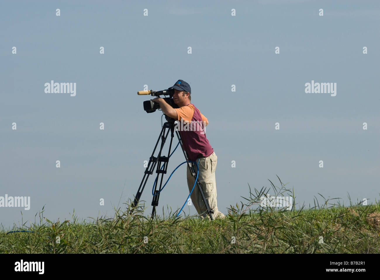 TV News cameraman near Gaza border January 2009 - Stock Image