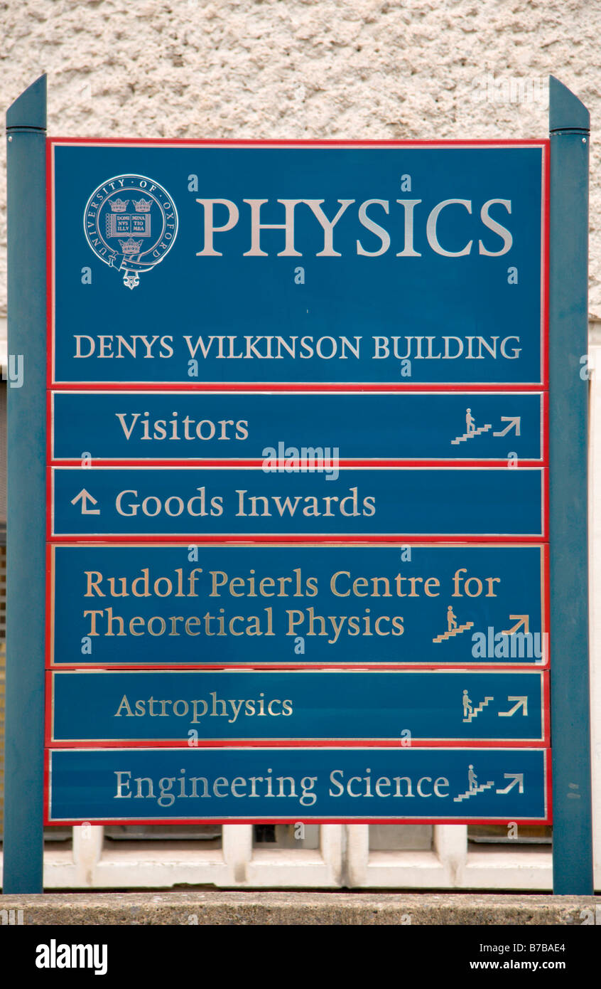 Entrance sign to the Denys Wilkinson Building (Physics), University of Oxford, Oxford, England. - Stock Image