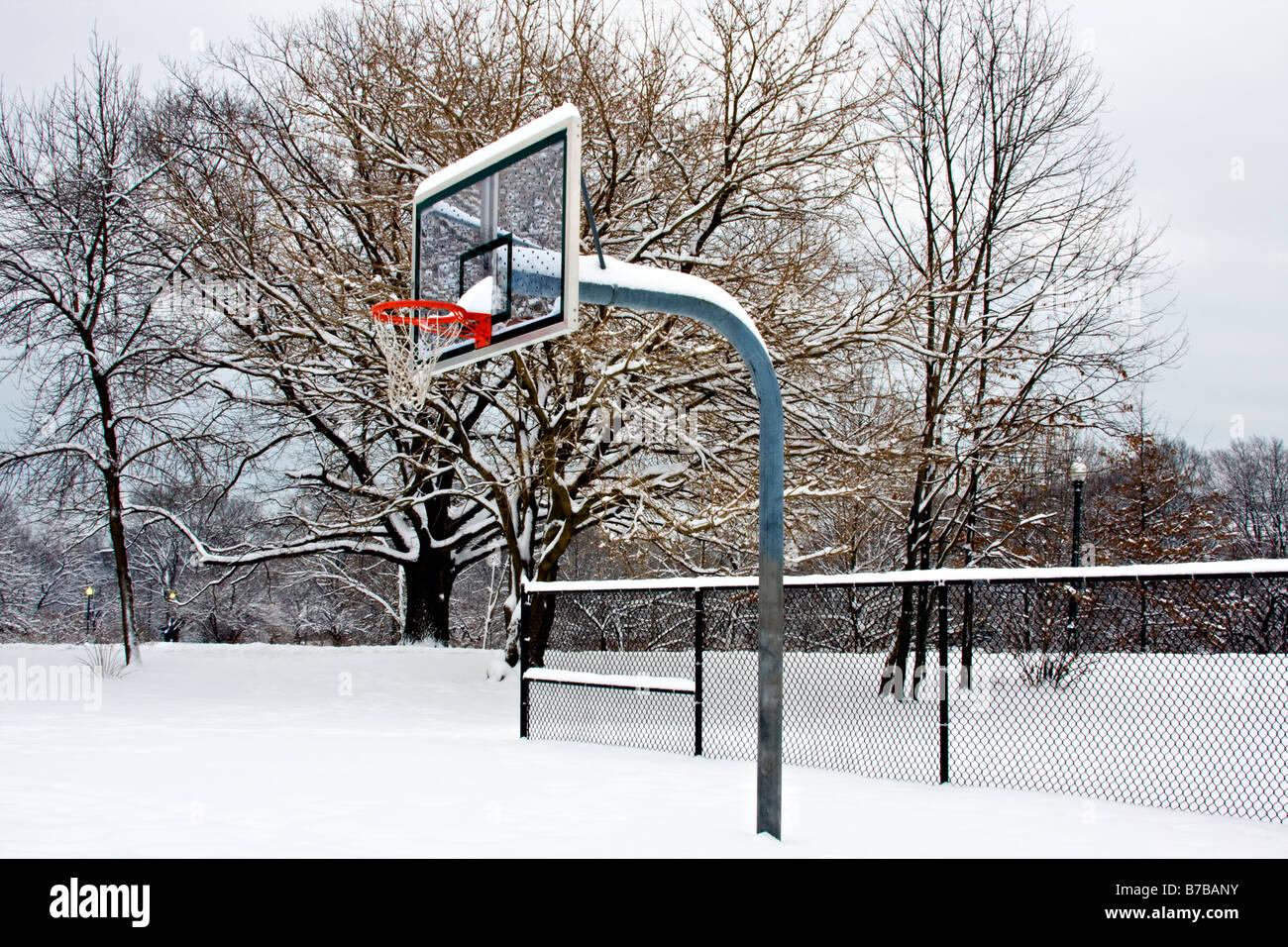 """Kết quả hình ảnh cho basketball in the winter"""""""