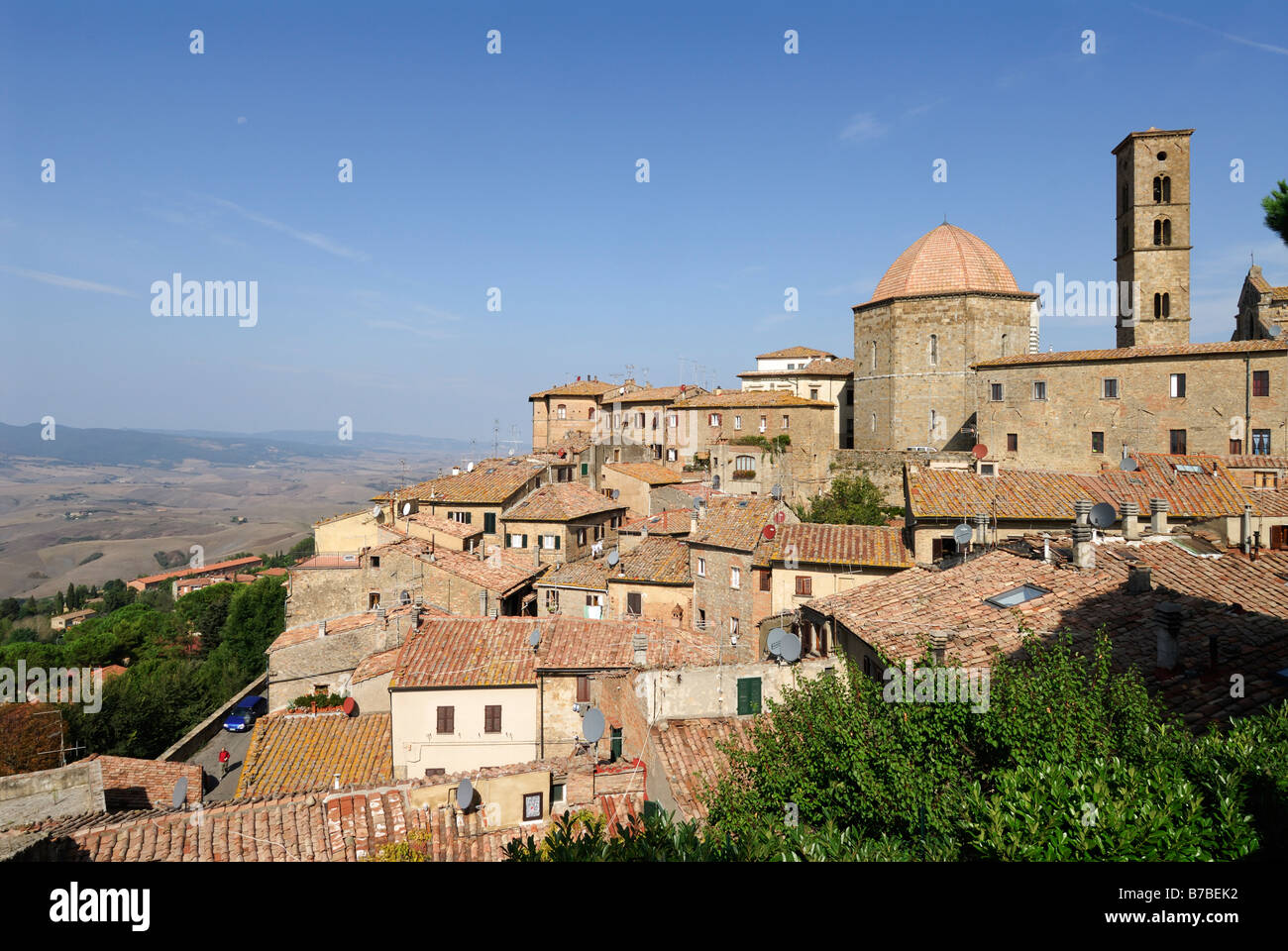 Volterra Tuscany Italy The ancient town of Volterra overlooking the Val di Cecina - Stock Image