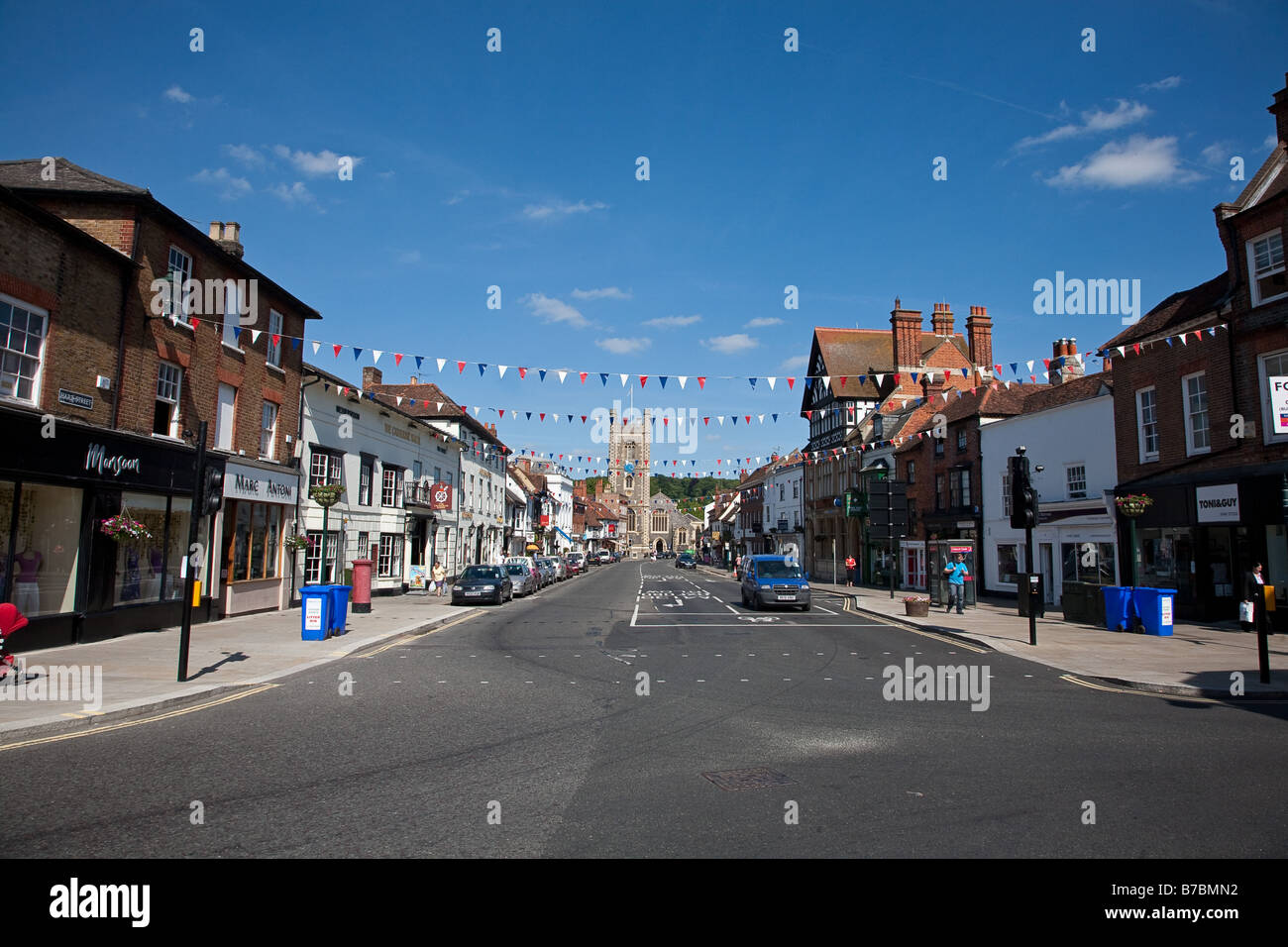Hart Street in Henley on Thames on a summer afternoon looking down toward the church and the bridge - Stock Image