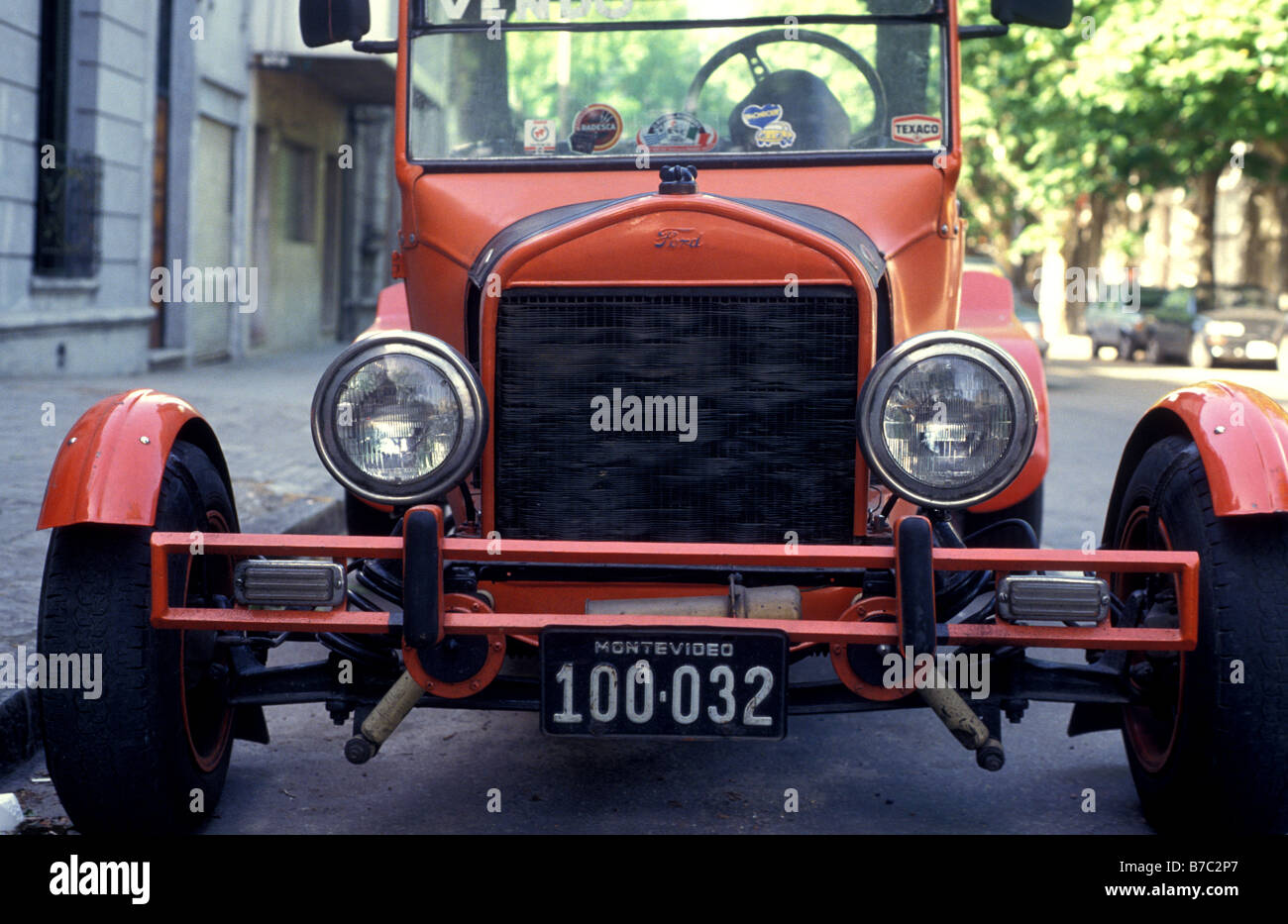 1e5767fc model t ford hot rod montevideo uruguay Stock Photo: 21778575 - Alamy