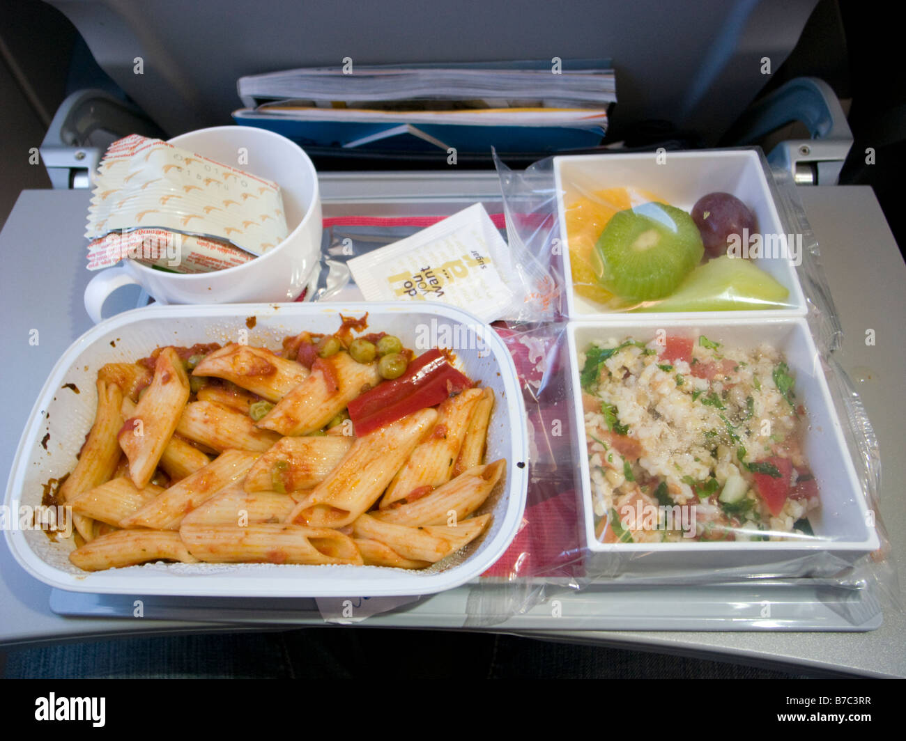 Thomson Inflight Meals >> Airline Meals Stock Photos Airline Meals Stock Images Alamy