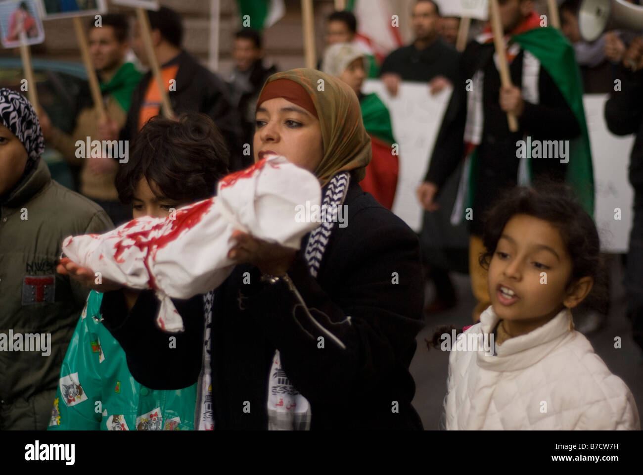 Demonstration against Israel massacre of palestinian people in Gaza, Rome, Italy, 17-01-2009 - Stock Image