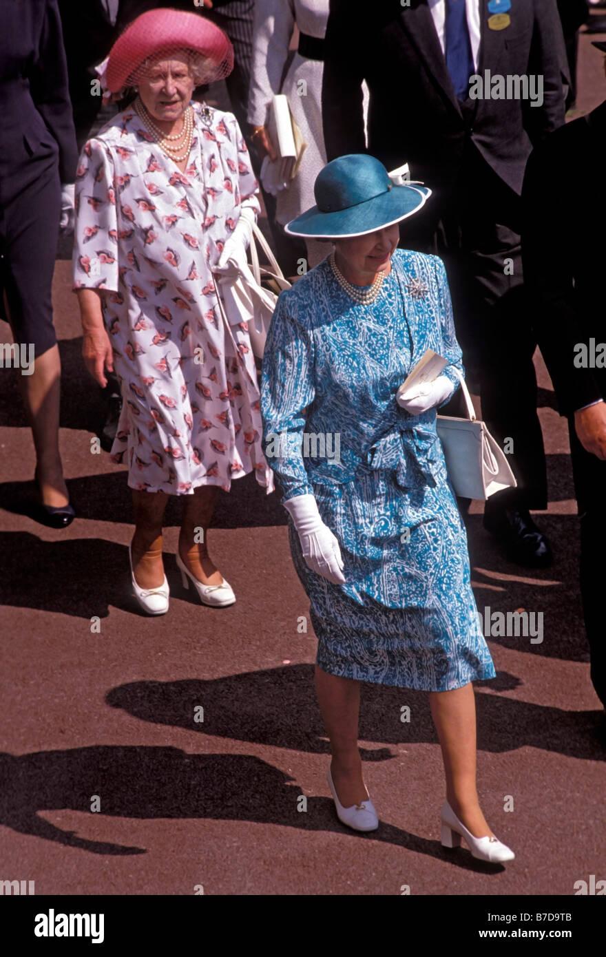 HRH Queen Elizabeth II and HM Queen Elizabeth the Queen Mother at the Royal Ascot races 1989 - Stock Image