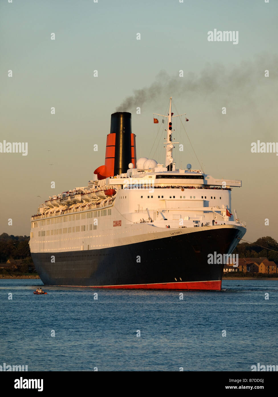 Cunard's Queen Elizabeth 2 leaving Southampton late afternoon 22nd October 2008 - Stock Image