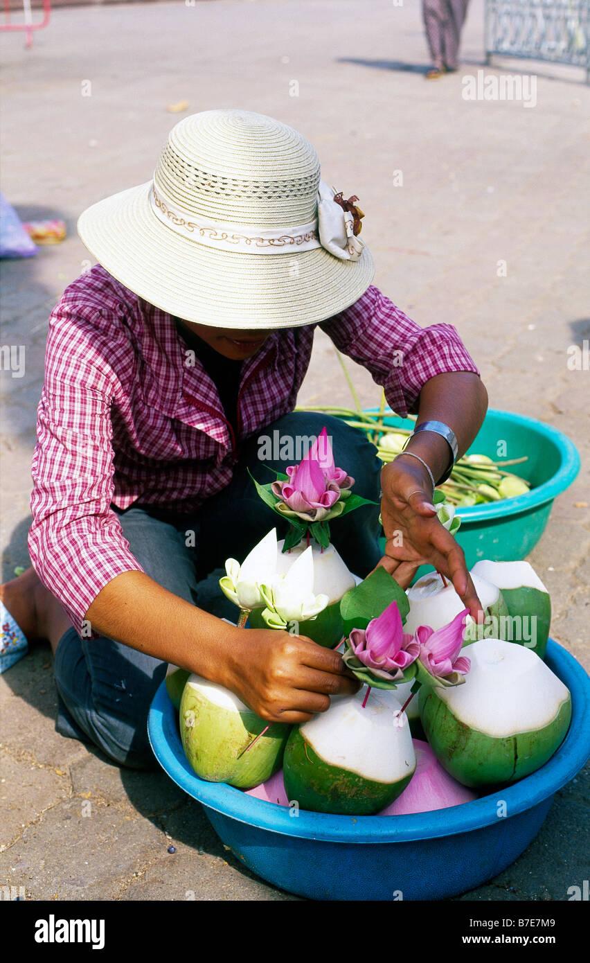 Woman Making Flower Arrangements Stock Photos Woman Making Flower