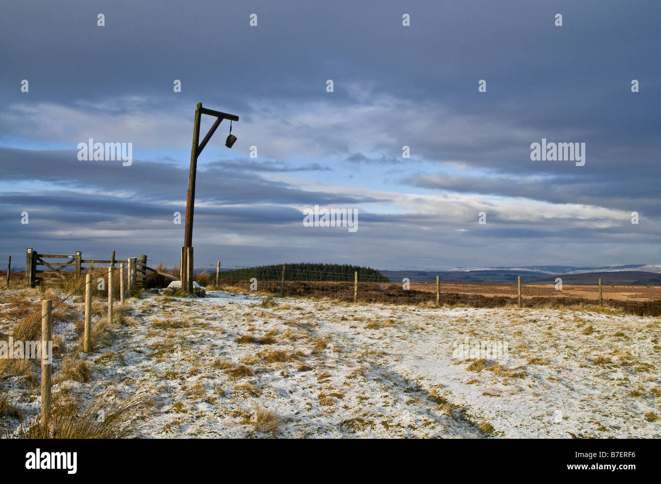dh Steng Cross TYNEDALE NORTHUMBRIA Winters Gibbet monument lonely moorland gallows - Stock Image