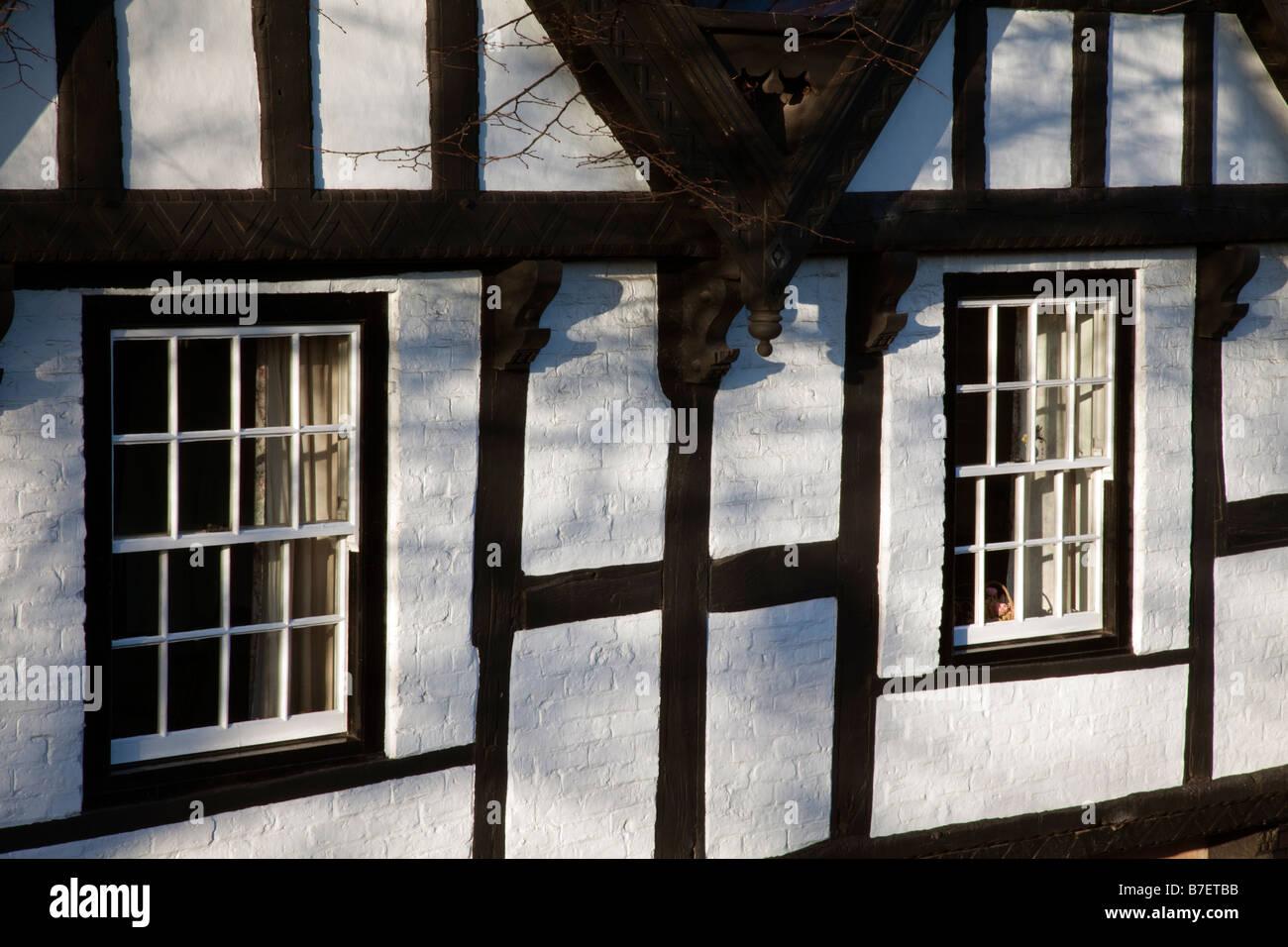 windows black white tudor nine houses chester - Stock Image