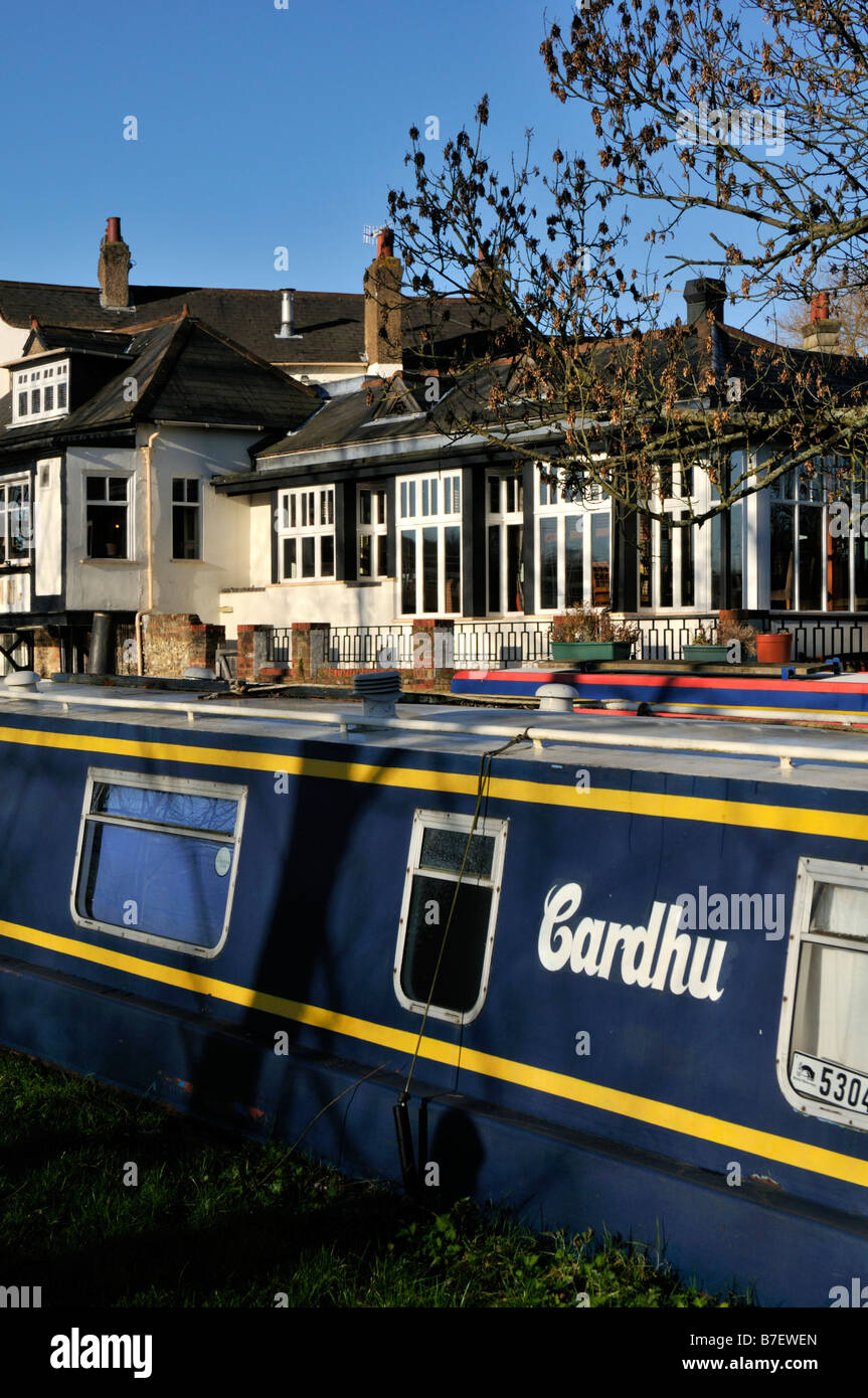 Fishery Inn by the Grand Union Canal Hemel Hempstead Hertfordshire UK - Stock Image
