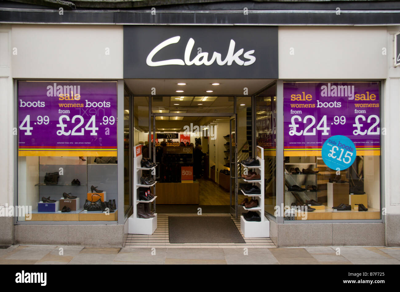 Alamy Clarks Photos Stock Sign amp; Images qqRFOx6w