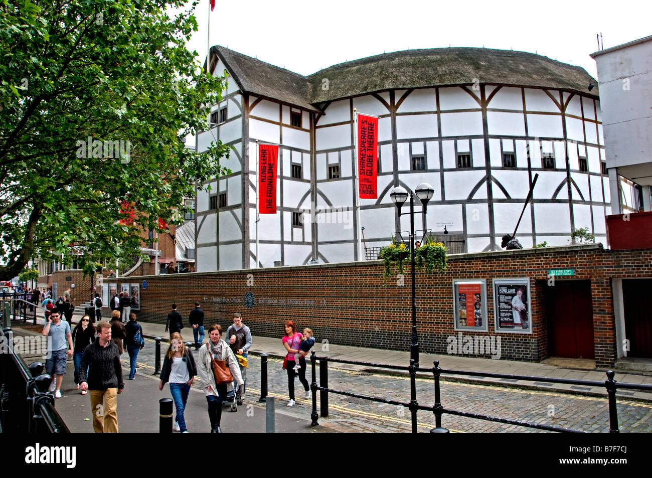 The Sheakspeare Globe Theatre London Tudor theatre performance stage South Bank - Stock Image