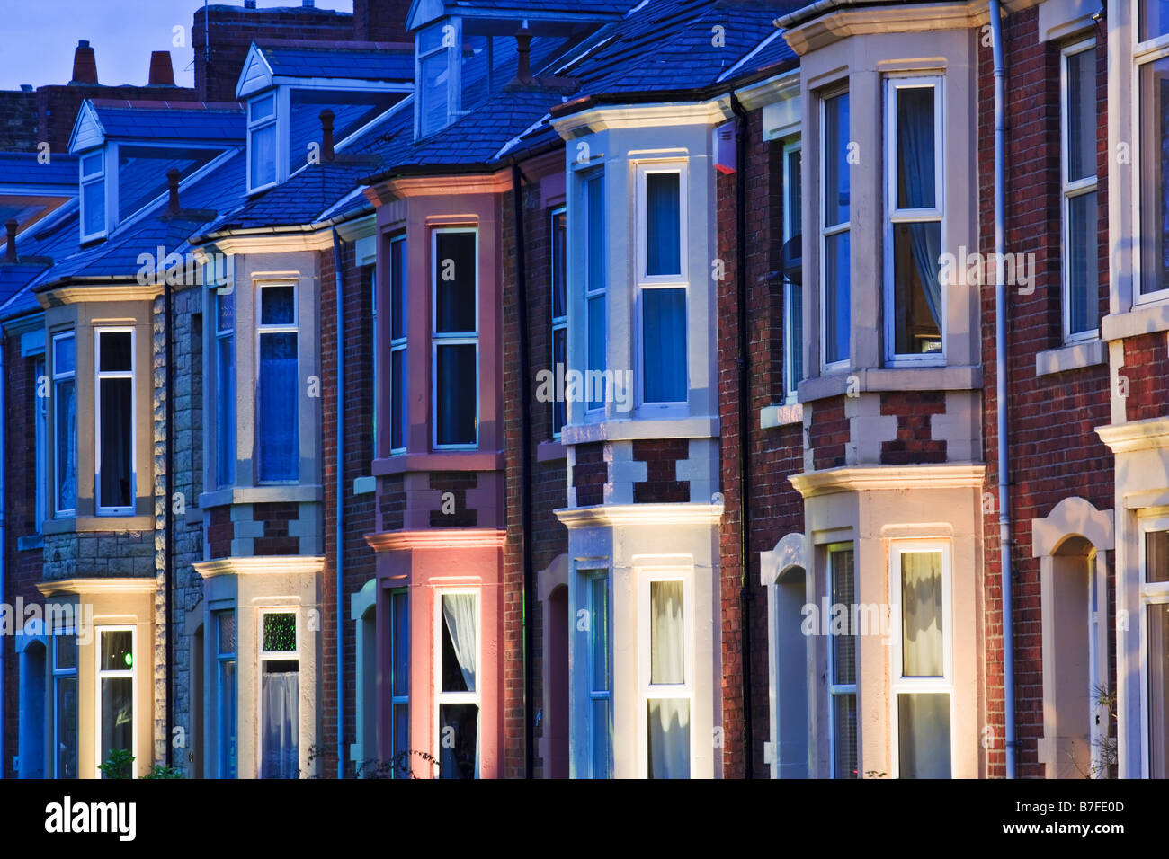 Terraced housing in a 1930s style on Belgrave Crescent opposite Ridley Park in Blyth Stock Photo