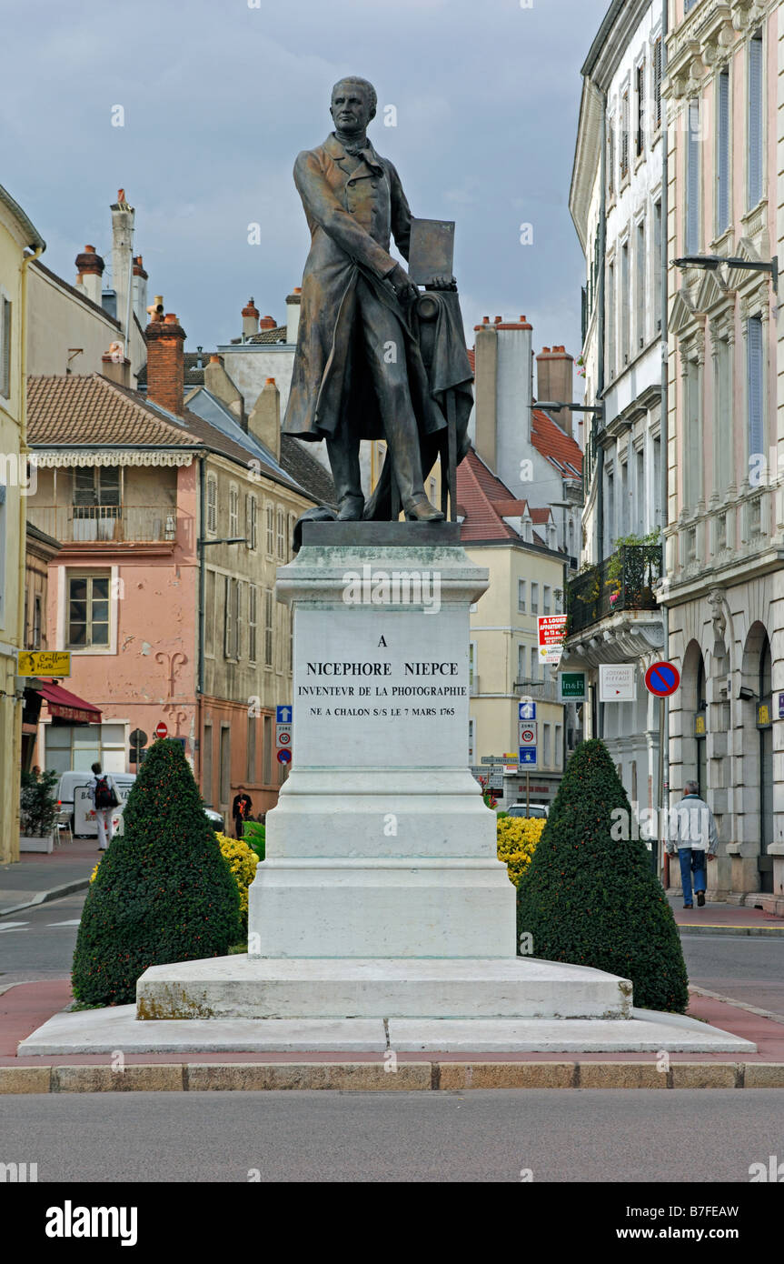 statue of nicephore niepce at chalon sur saone in the in the saone et stock photo 21853521 alamy. Black Bedroom Furniture Sets. Home Design Ideas