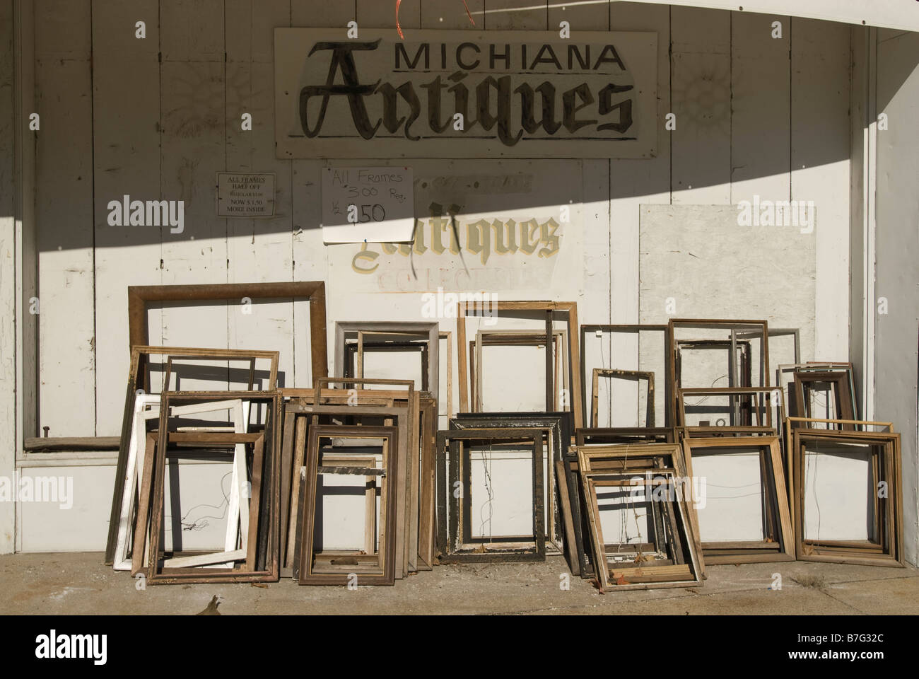 Old picture frames for sale at Michiana Antiques in Michigan USA ...