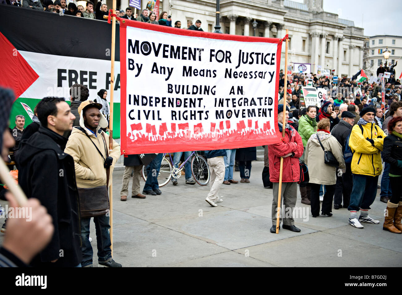 Demonstrators at a rally protesting against Israeli attacks on Gaza, January 2009 - Stock Image