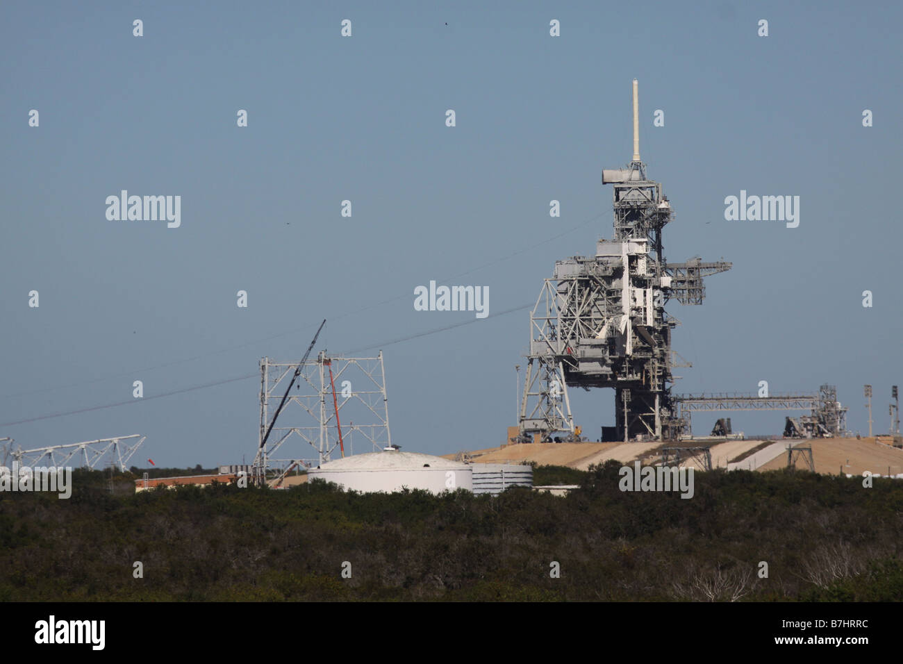 NASA Launch Pad 39B Kennedy Space Center Cape Canaveral lightning protection system construction Ares I - Stock Image