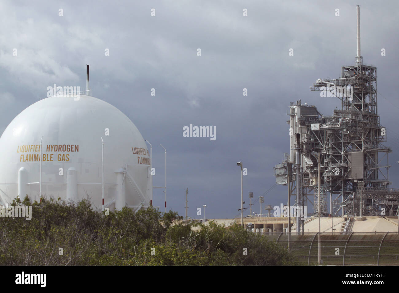 NASA Launch Pad 39B Kennedy Space Center Cape Canaveral Hydrogen tank - Stock Image