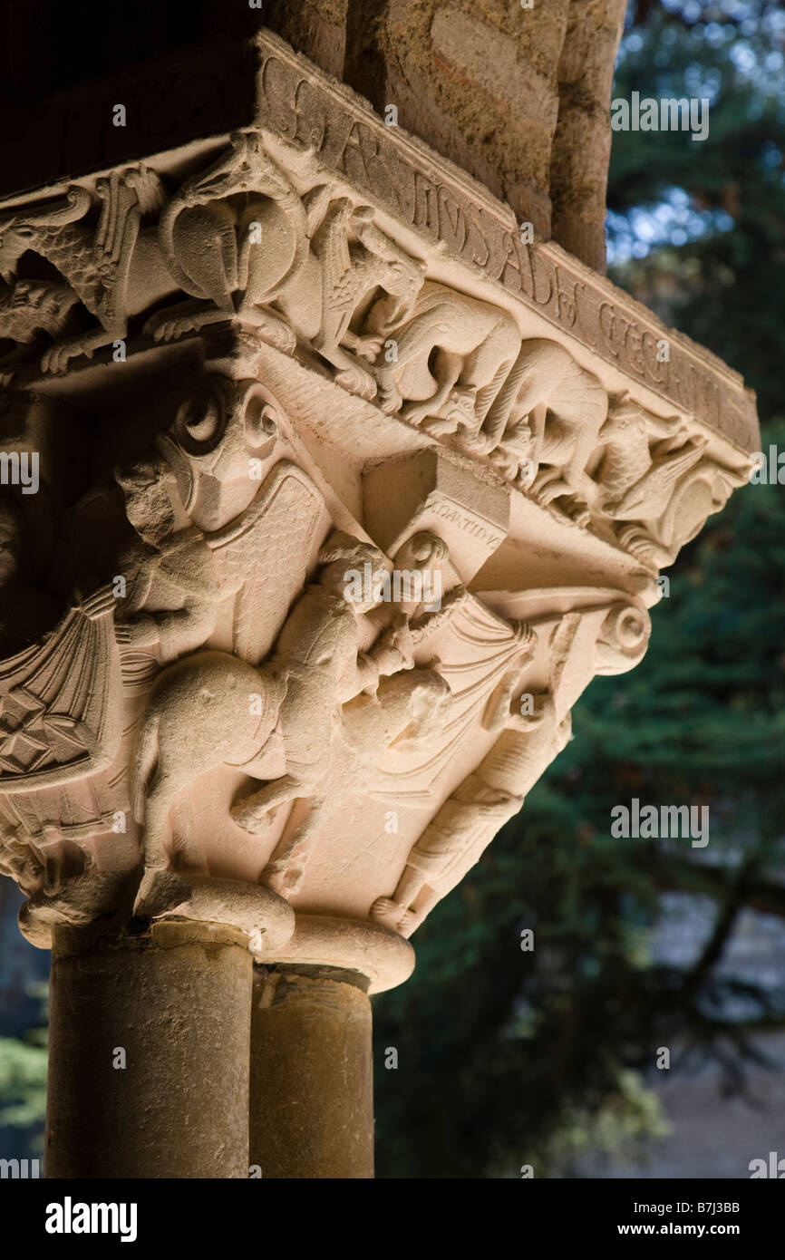Detail of a capital in the cloister of the Saint Pierre Abbey in Moissac showing the story of St Martin of Tours, - Stock Image