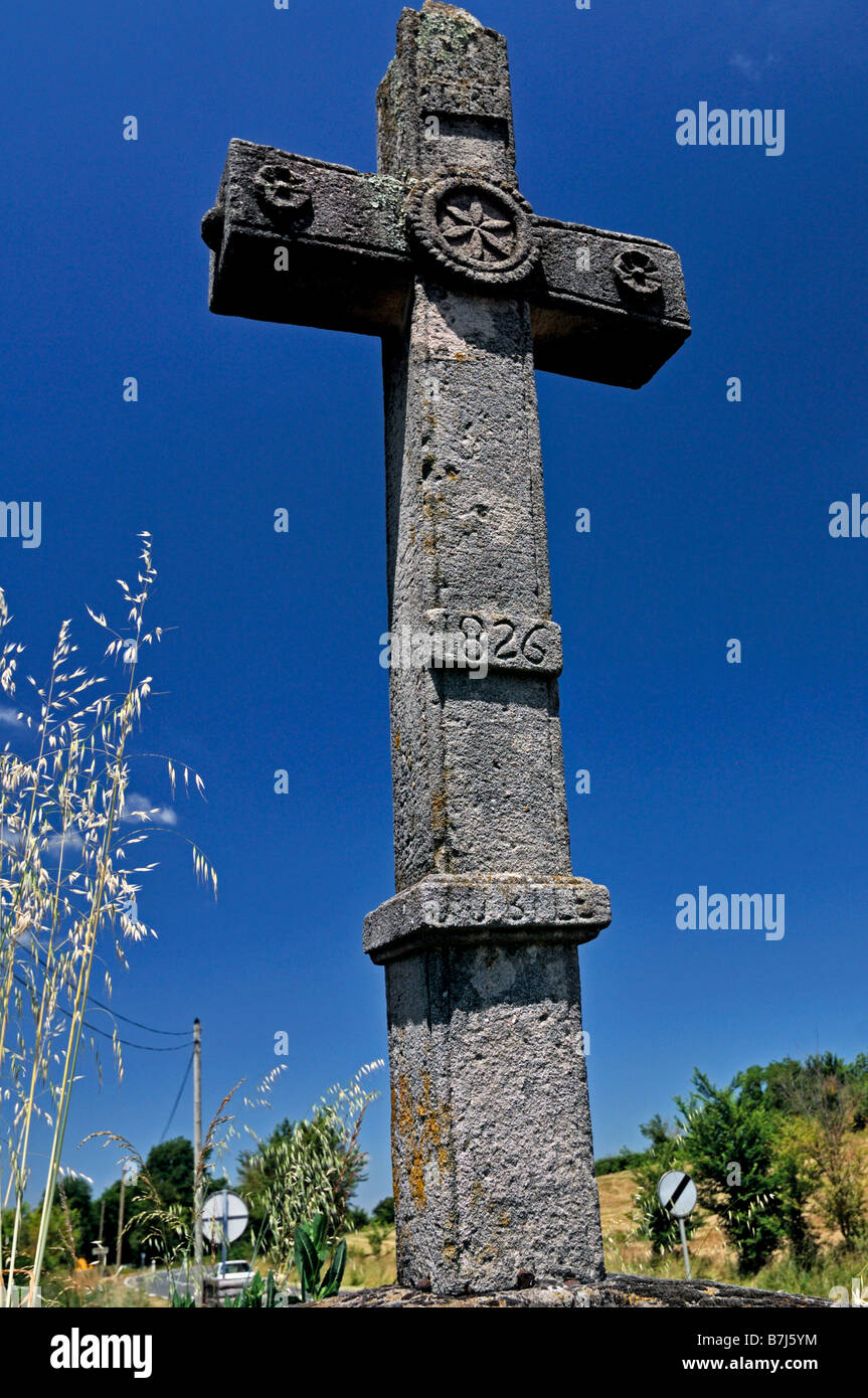 Medieval stone cross in the nature park Causses du Quercy - Stock Image