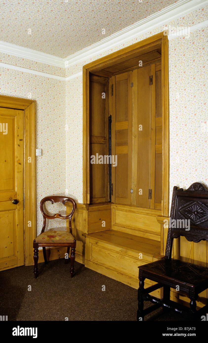 Fabulous Stripped Pine Window Seat And Oak Shutters Georgian Town Machost Co Dining Chair Design Ideas Machostcouk