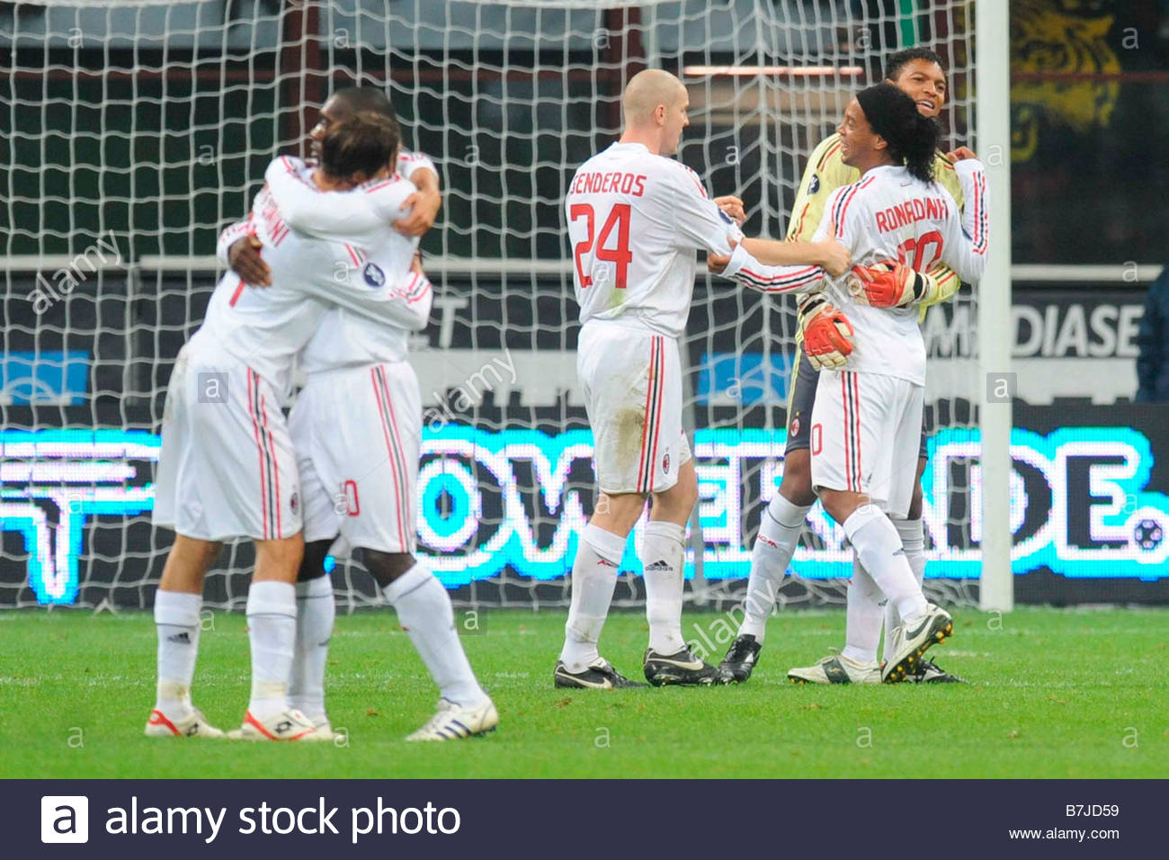 ronaldinho celebrated by his team mates'milano 06 11 2008 'football uefa cup 2008-2009'milan-sporting braga 1-0'photo - Stock Image