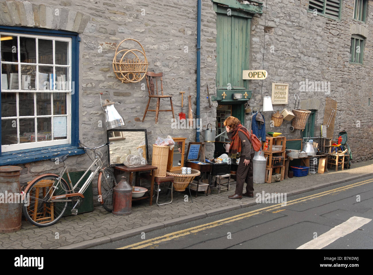 Antique or bric a brac shop in Hay on Wye Herefordshire - Stock Image