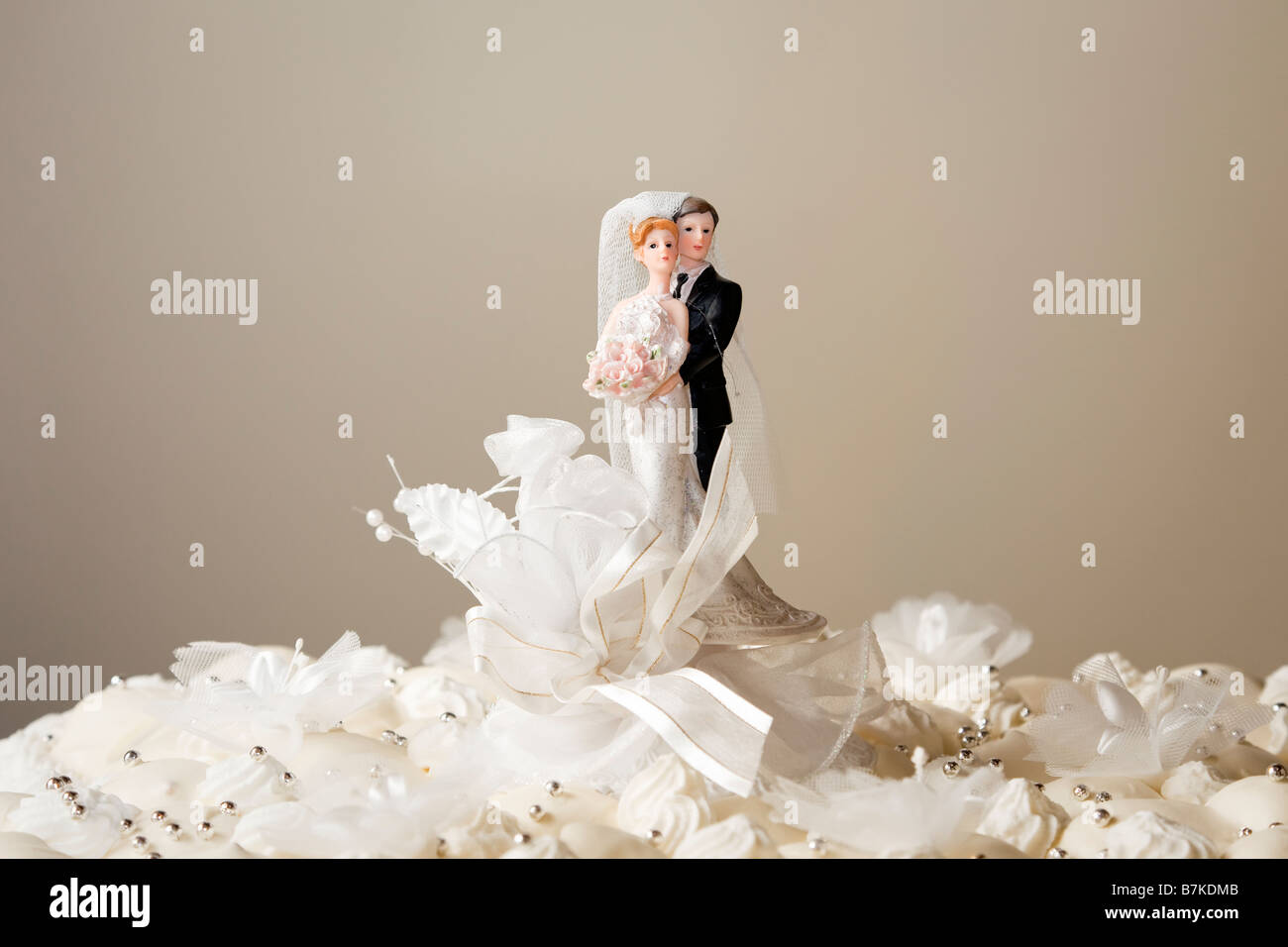 Figurines on top of wedding cake. Copy space Stock Photo: 21940811 ...