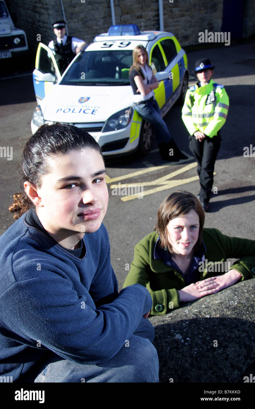 Young people posed with police as part of a positive campaign in Oxfordshire - Stock Image