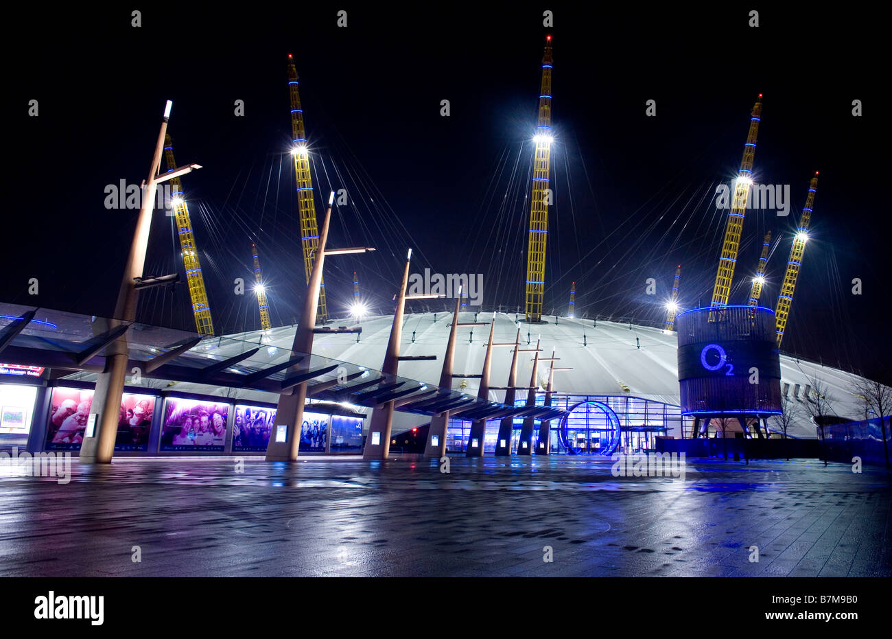 The 02 arena (formerly the millennium dome) in east London lit up at night. - Stock Image