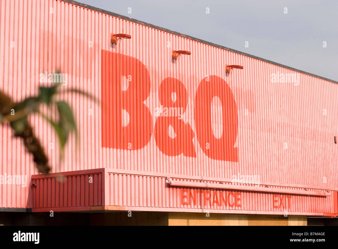 B Q run down disused diy superstore b and q b&q owned by kingfisher group bandq b and q, empty store shop - Stock Image
