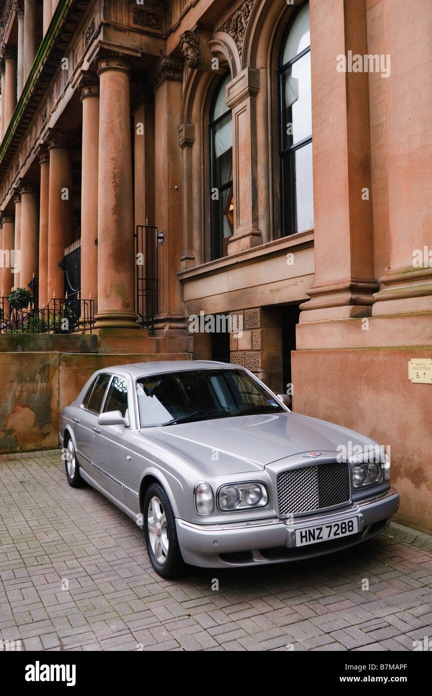 Bentley Arnage parked outside the luxurious Merchant Hotel, Belfast - Stock Image