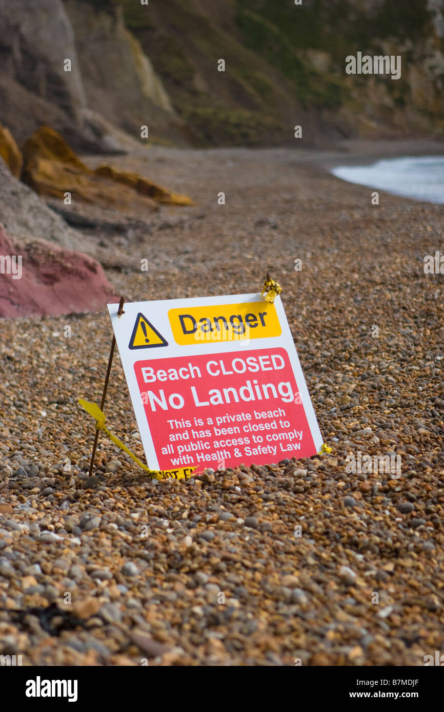 Danger Beach Closed, No landing. Isle of Wight erosion of the cliff leaves many beaches unsafe - Stock Image