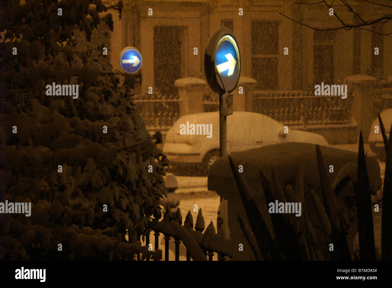 Heavy Snow in London, Midnight Feb.2 2009 - Stock Image