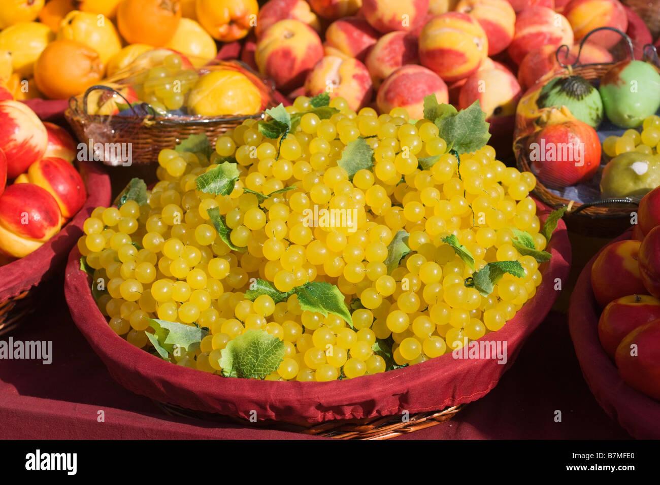 Plastic Fruit Display Grapes Stock Photos & Plastic Fruit
