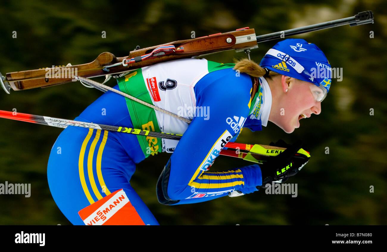 JONSSON Helena Schweden JONSSON Helena Schweden Biathlon Weltcup Verfolgung Frauen M nner Ruhpolding 18 1 2009 - Stock Image