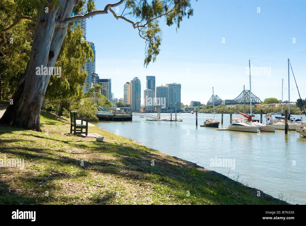 Brisbane River with skyline of Brisbane, Queensland, Australia - Stock Image