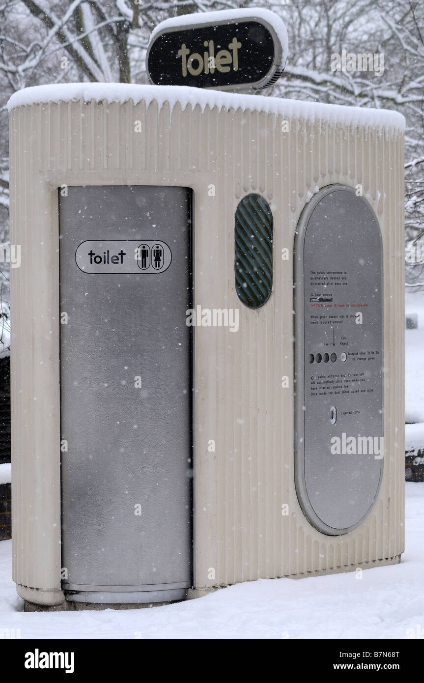 Public toilet in the snow - Stock Image
