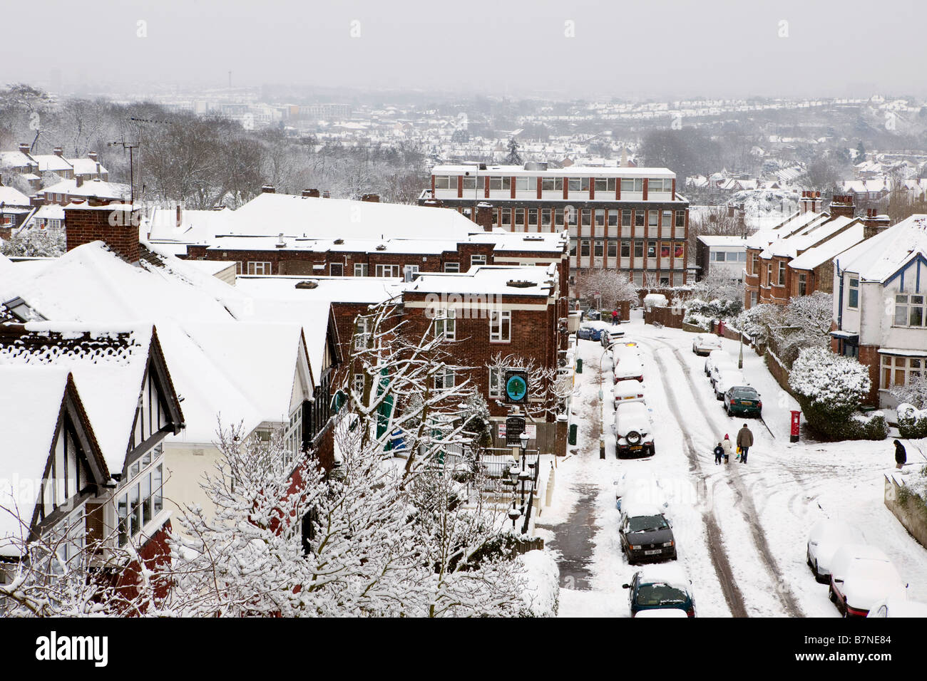 A Street in north London on the 2nd of February 2009 after the heaviest snow fall in London for 18 years - Stock Image